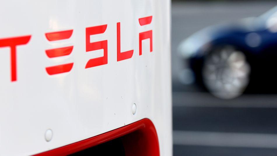 Tesla занята созданием собственных аккумуляторов